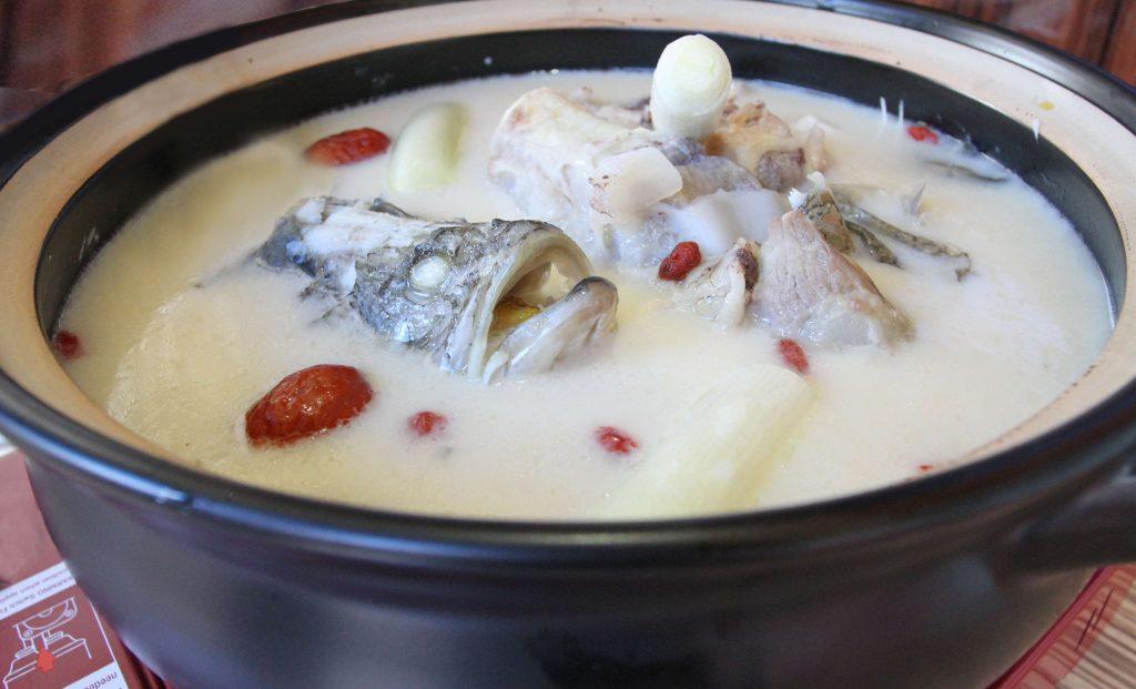 世界美食大师-豆浆煮鱼