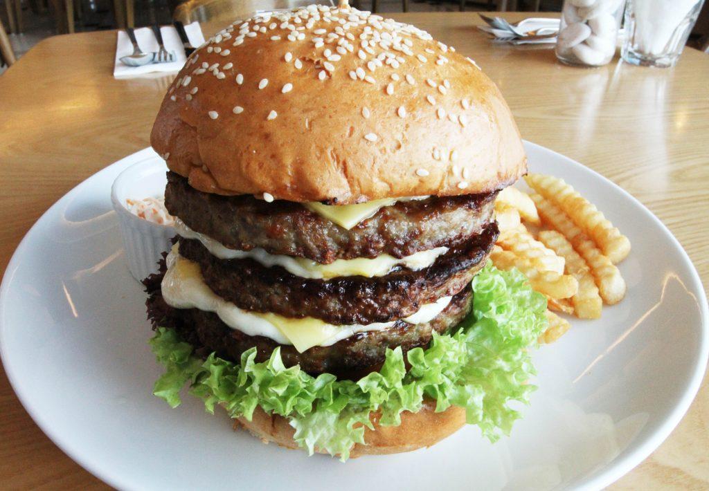 世界美食大师食公子 - 顶级牛肉大汉堡