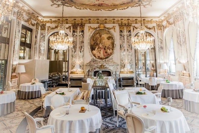 世界美食大师-Restaurant-le-Meurice-Alain-Ducasse-Salle-Pierre-Monetta