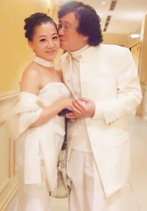 大马美食家廖城兰与妻子结婚照
